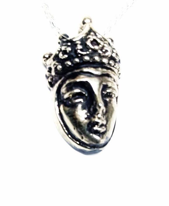 Queen Silver Pendant 4