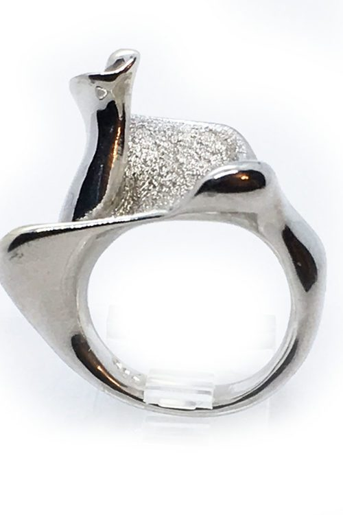 Sea Shell Outline Sterling Silver with Black Rhodium Plating Ring