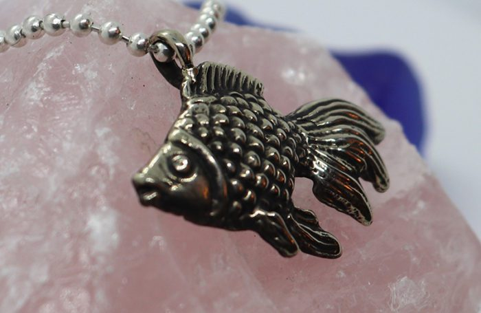 fishy pendant 1