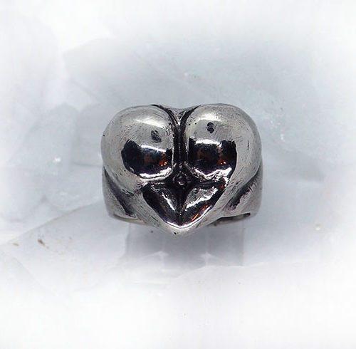 Ass heart Ring