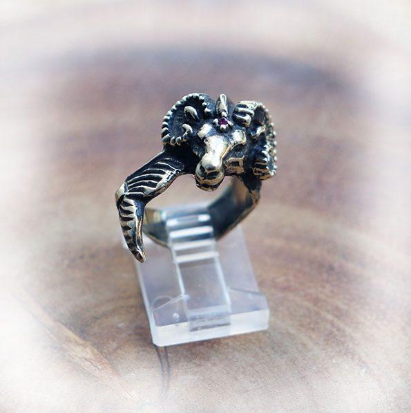 Copricorn Ring