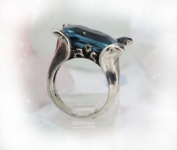 Flower Petals Ring