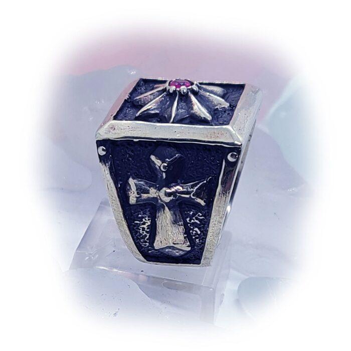 8 Star Cross Ruby Stone Ring 3