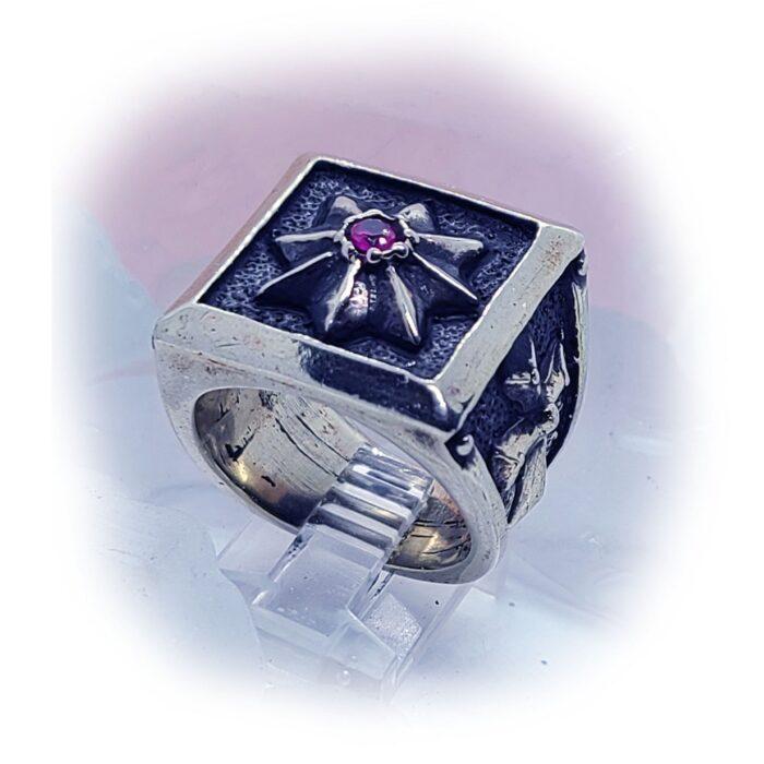 8 Star Cross Ruby Stone Ring 4