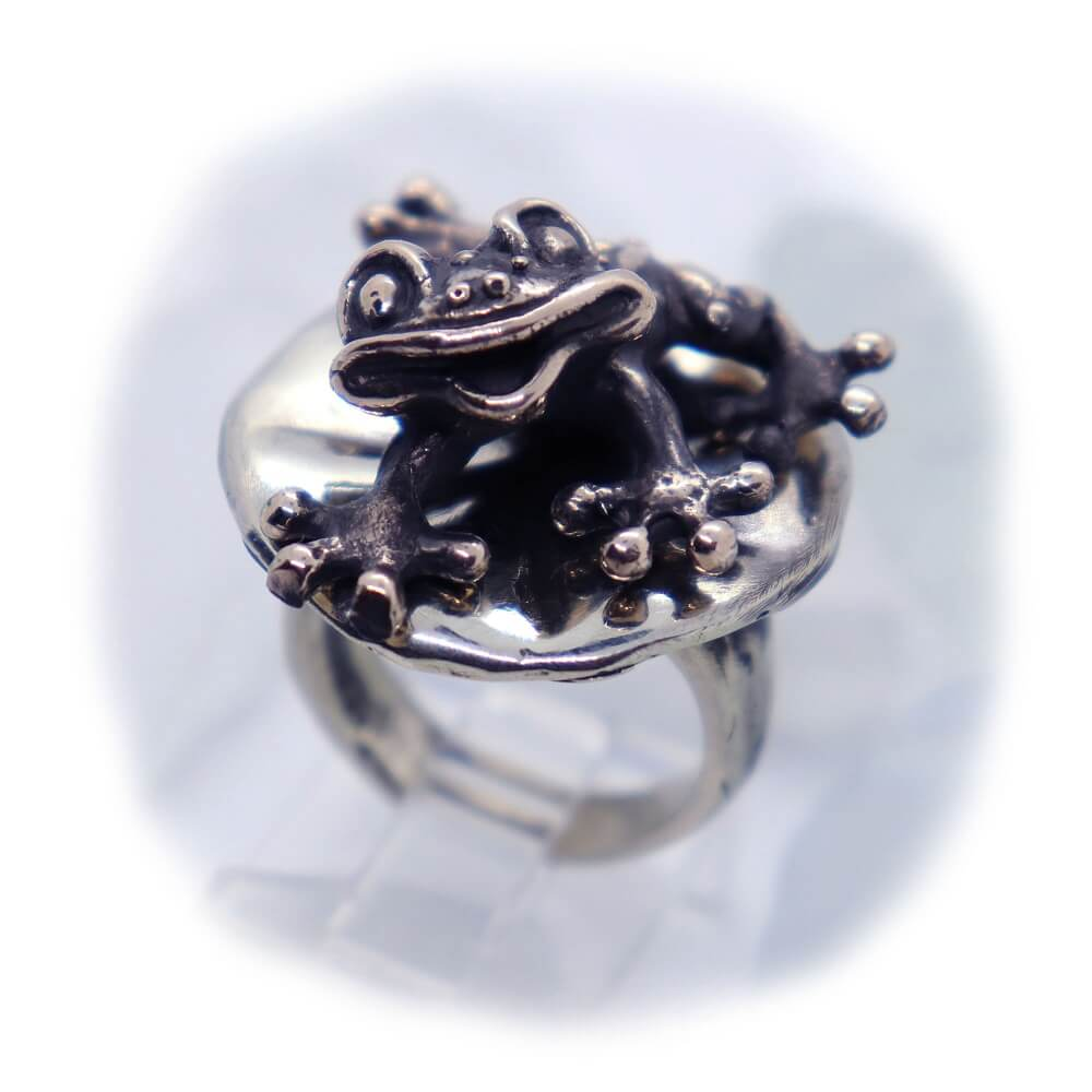 Frog On Lily Pad V1 Sterling Silver Ring