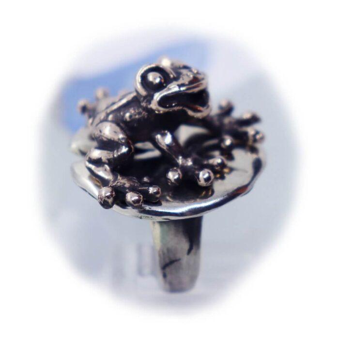 Frog Lily Pad Ring V2 3